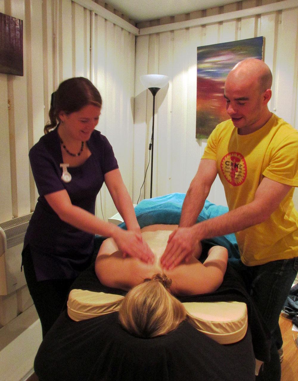 couples workshop massage